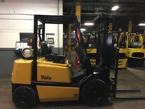 Yale 5000 LB Solid Pneumatic Forklift With Side Shift and Triple Mast