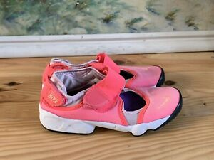 Girls Nike  Rifts Size 2.5