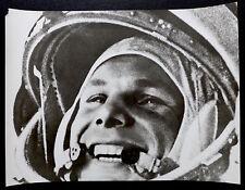 Photo URSS Espace - Yuri Gagarin - Tirage argentique d'époque 30x40 - 1965 -