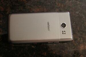 LG Exalt VN220 - 8GB - Silver (Locked) Flip Phone