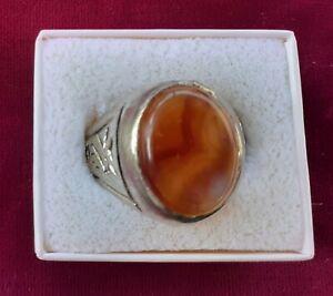 Men's aqiq/carnelian ring, size 12¼ to 12½