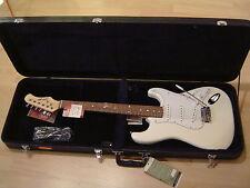 Stagg E-Gitarre S300-WH + Koffer - Neu!