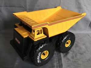 LARGE BUDDY L DUMP TRUCK, VERY COLLECTABLE.