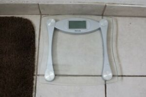Taylor 75624072 Glass Digital Bath Scale, Clear, home bathroom used new bathroom