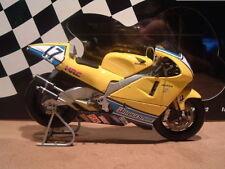 Motocicleta de automodelismo y aeromodelismo plástico de escala 1:12