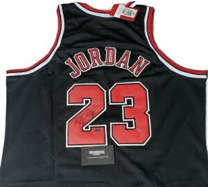Michael Jordan autographed signed Chicago bulls jersey W/COA
