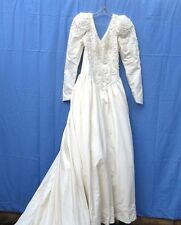 Taffeta Wedding Gown With Train and Pearl and Roses Lace S