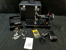 Vintage Singer Featherweight Sewing Machine 3-110 With Hard Case & accessories