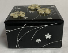 "San Francisco Music Box Co, black glass with Floral decor, Plays ""Pretty Woman�"