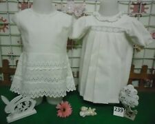 vêtements VINTAGE année 60 fille taille 18 mois ,2 robes
