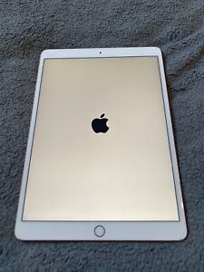 Apple iPad Air (3rd Generation) 64GB 10.5in - Gold / Rose Gold