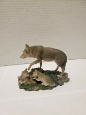 Wild life figurine Wolf with pups