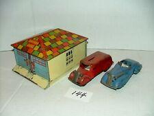 "#1950s Marx Tin Litho 8"" Honeymoon Garage & Pair Of 6"" Pressed Steel Cars #144"