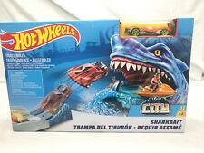 Hot Wheels Sharkbait Shark Bait Play Set Car and Track Set Age 4+