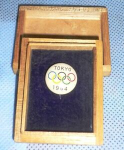 1964 Olympic Games Tokyo Original Collectible Pin Badge Button in Wooden Box