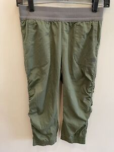 NWT The North Face Girl's Aphrodite Capri Pant TNF Green Size Medium 10/12