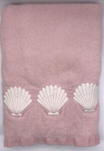 "Vintage THE AVANTI LOOK Bath Towel Light Pink w/Embroidered Seashells 26x49"" USA"