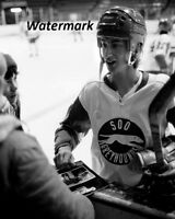 OHL 1978 Wayne Gretzky Soo Greyhounds Black & White 8 X 10 Photo Picture