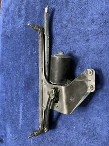 1981 - 1994 Classic Saab 900 Tested Windshield Wiper Motor & Linkage Assembly