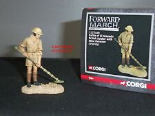 CORGI CC59158 FORWARD MARCH BRITISH SOLDIER WITH MINE DETECTOR METAL TOY SOLDIER
