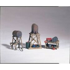 Woodland Scenics D212 HO-Scale KIT Fuel Stands (3) Industrial Fuel Tanks