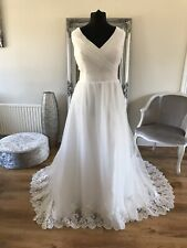 Bridal Gown/Wedding dress, V-neck, Sleeveless, Ivory ,Size 14, Brand New