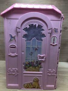 2000 Mattel Pink Portable Fold Up Magi-Key Magic Barbie Doll House Only