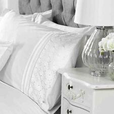 Everdean Floral Parure Housse de Couette King Size Brodé - Blanc
