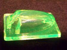 VASELINE URANIUM  GLASS ARROW FOR ELEVATOR  ?  CAR OR TRUCK SIGNEL ? (id198769 )