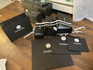 Ein Stück NEU Chanel Karton/Box mit Tüten. Original Von Chanel KaDeW In Berlin