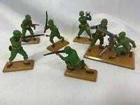 Vintage 1971 Britain's Deecail Solider Figurines On Metal bases
