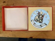 """Mj Hummel collectors Christmas plate, 1990, H-410, - """"Tender Watch� Limited Edit"""