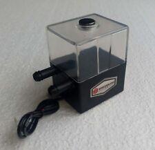 Wasserpumpe mit Tank bzw Ausgleichsbehälter | für Wasserkühlung | 12V | 4W | Neu