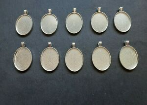 10 x Silver Plated Medium Oval Pendant Trays, 22 x 30 mm Bezel, Cabochon Setting