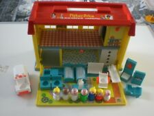 VINTAGE FISHER PRICE CHILDREN,S HOSPITAL 1969 & FAMILY PLAY HOUSE 1976.See Pics.