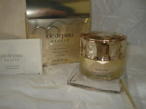 Cle De Peau The Foundation SPF21 WB20  Size 27mL / 1 Oz. New sealed