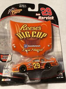 2006 Winners Circle 1/64 Kevin Harvick #29 Reese's Big Cup w/Hood Magnet