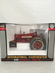 SPECCAST 1/16 SCALE DIE CAST 450 FARMALL TRACTOR - NIB - NEVER DISPLAYED