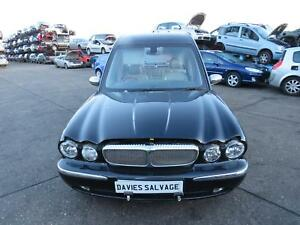 JAGUAR EAGLE HEARSE XJ350 2006 REF-322 / FRONT WIPER MOTOR AND LINKAGE FREE P&P