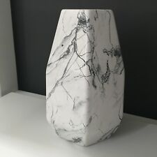 white & grey marble effect ceramic vase geometric style table vase ornament 20cm