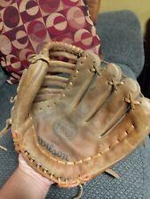 Vintage Wilson Right hand thrower Baseball Glove # A9821