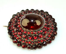 ANTIQUE VICTORIAN 8K BOHEMIAN GARNET LARGE 4 ROW DOME PIN WITH OVAL CABOCHON