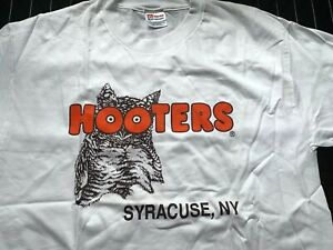 Restaurant Hooters Location Syracuse, New York - NEW White T Shirt L