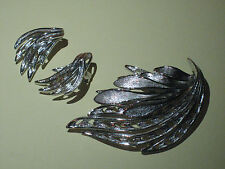 broche et clips oreille feuilles en métal rhodié argenté