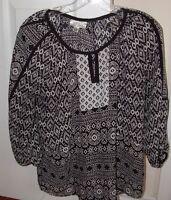 Dress Barn Beautiful Black & White Medium Top w/ Peasant Neck & 3/4 sleeves