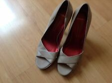 BNNB BEAUTIFUL PAIR NUDE LEATHER PLATFORM COURT SHOES by BRONX SIZE UK 7 EU 40