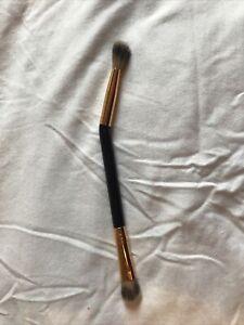 Tarte double-ended angled eyeshadow brush
