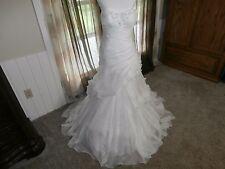 Essense of Australia D1186 size 10 Ivory Wedding Dress  NEW Mermaid Style