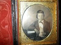 Very Sharp 1/6th Size Daugerreotype of young man in full case split hinge