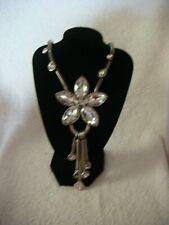 Collar Colgante de moda en Metal Plateado Con Gran Cristal Flor